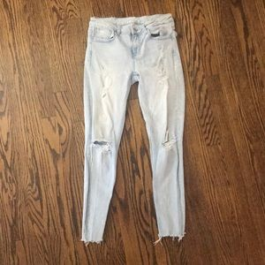 Zara light wash ripped skinny jeans